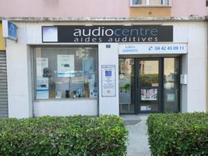 logo-damato-audiocentres-aides-auditives-acouphenes-prothese-auditive-surdité-vitrine-martigues